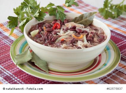 Bohneneintopf mit Sauerkraut
